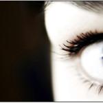 """Blink Intensive Tears als """"Schmiermittel"""" für die Kontaktlinsen"""
